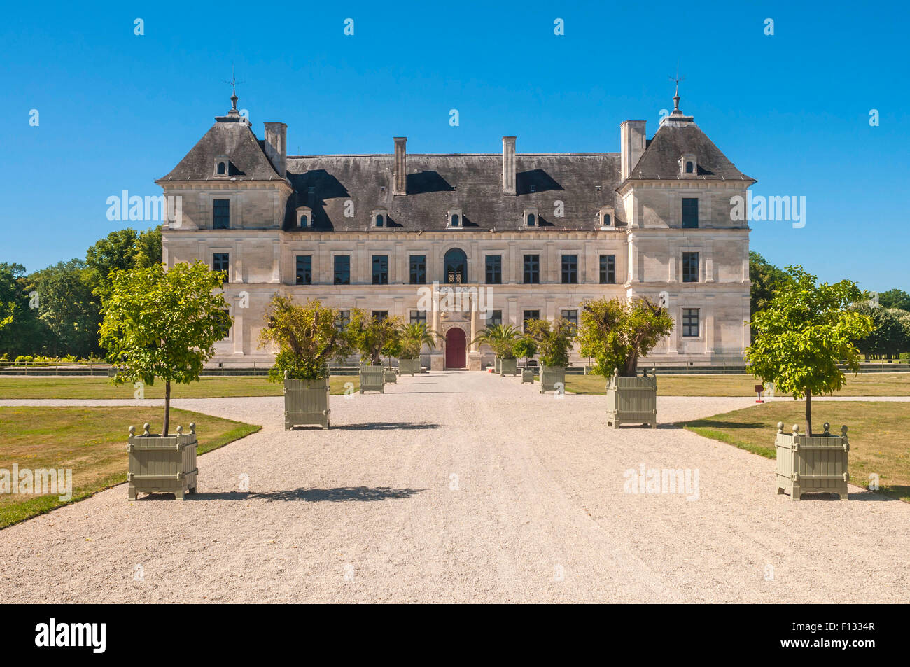 16th Century French Home - 16th-century-chateau-at-ancy-le-franc-yonne-france-F1334R_Great 16th Century French Home - 16th-century-chateau-at-ancy-le-franc-yonne-france-F1334R  Pic_39258.jpg