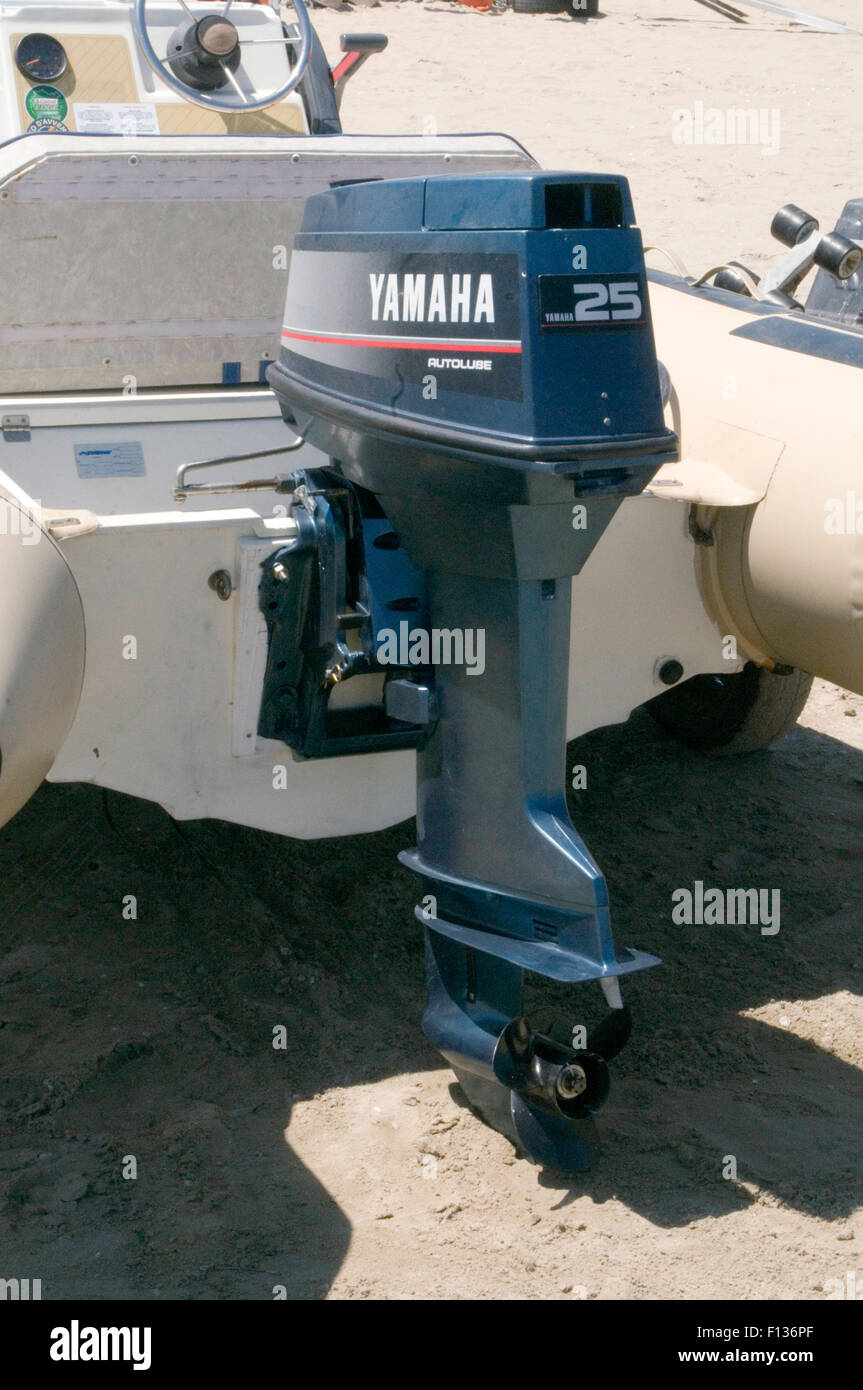 Yamaha Outboard Motor Engine Engines Motors Boat Out Board On Boat