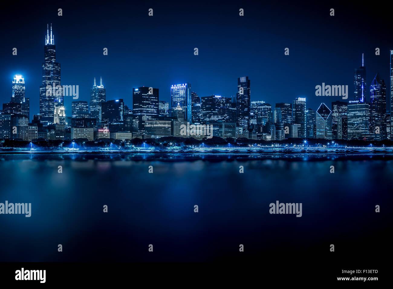 Chicago skyline at Night, Illinois, USA - Stock Image