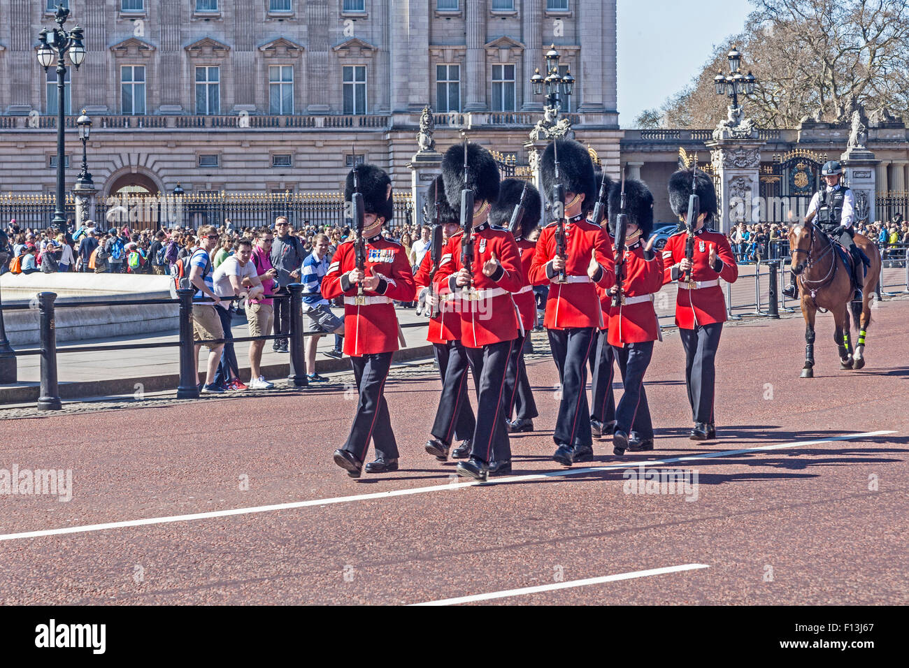 A troop of guardsmen parading near Buckingham Palace - Stock Image