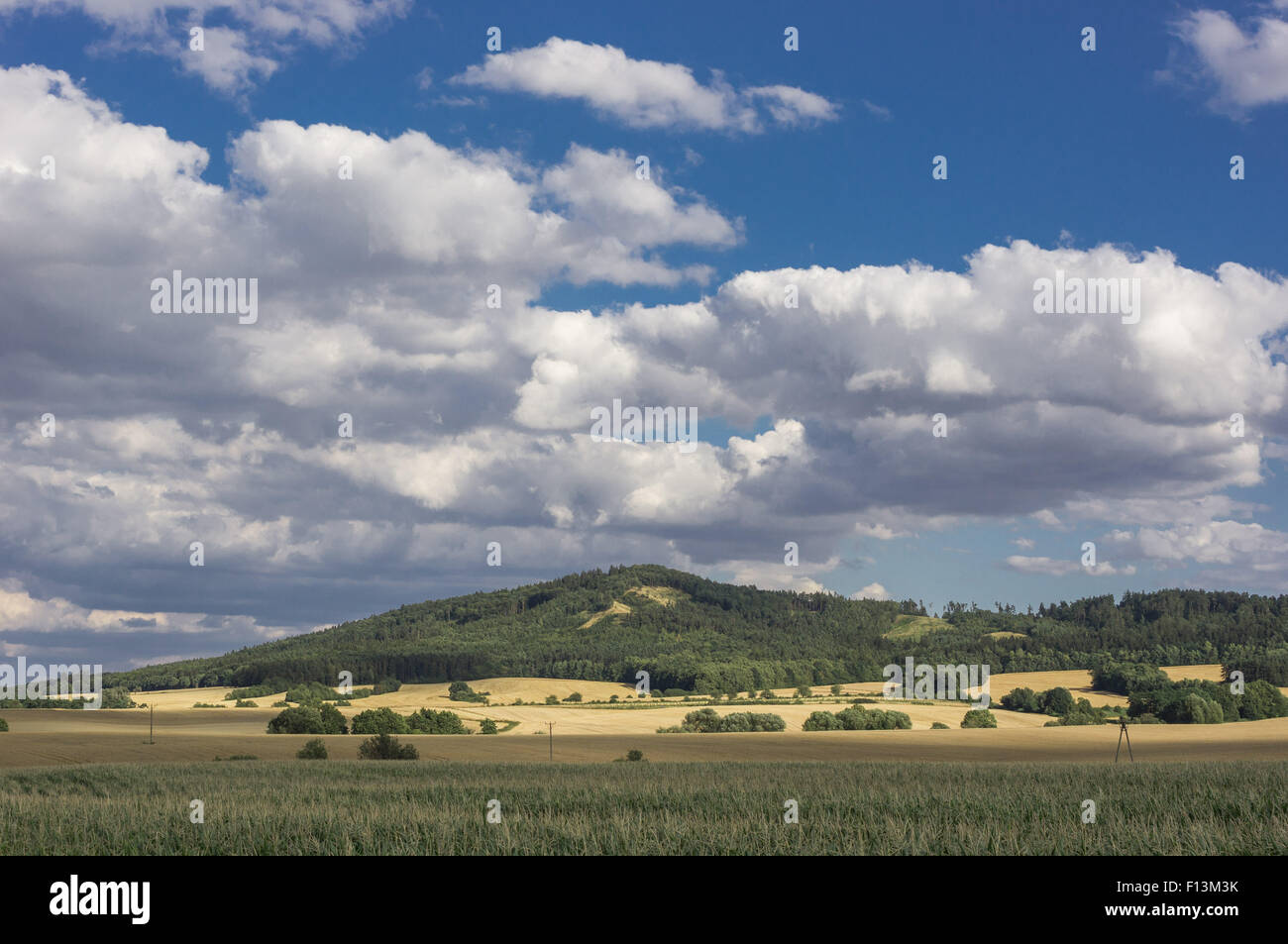 Dramatic cloudy sky over Mount Sleza Lower Silesia Zobtenberg Nieder Schlesien - Stock Image