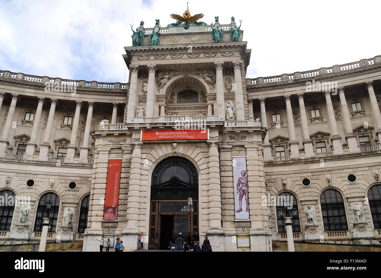 The Hofburg Imperial Palace, Heldenplatz Heroes Square, Vienna.The Hofburg Palace in Vienna has been the home to - Stock Image