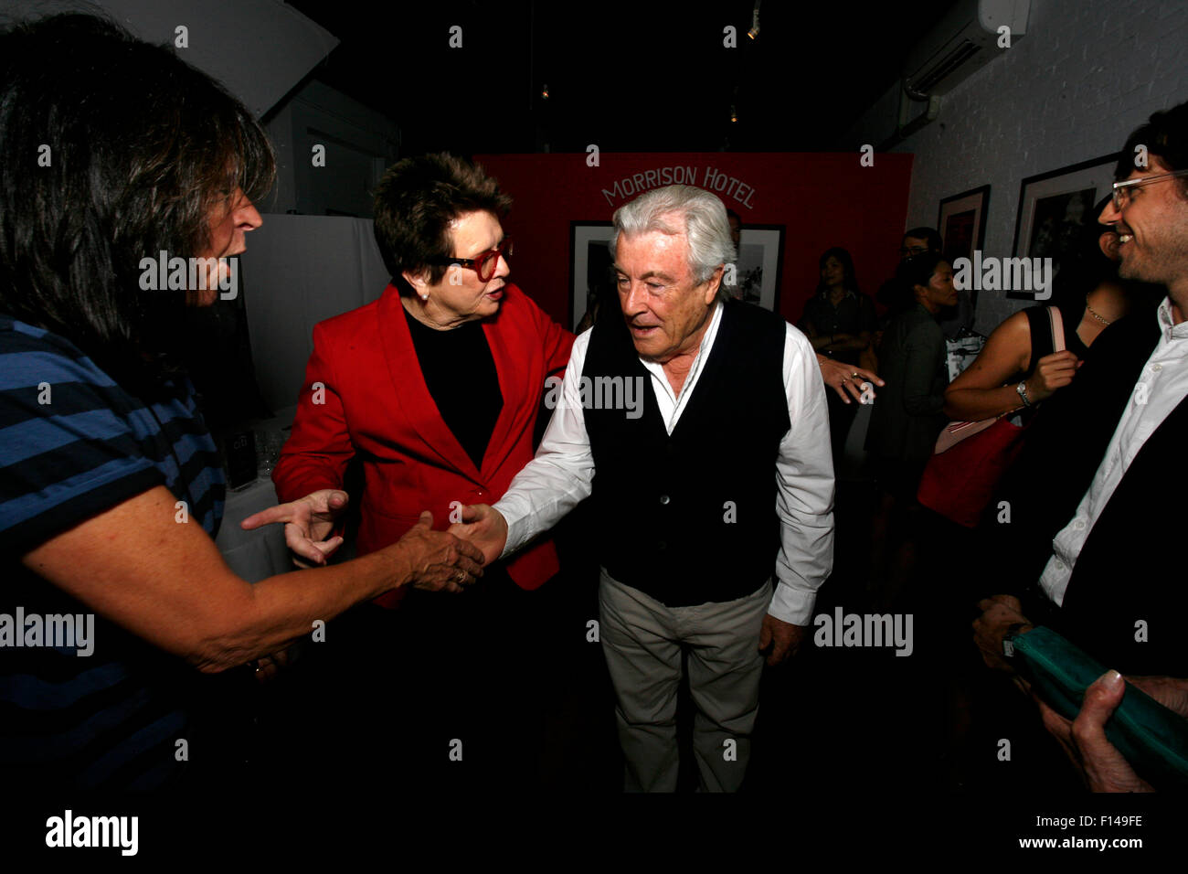New York, USA. 26th August, 2015. Tennis legend Billie Jean King speaks with the british photographic legend Terry - Stock Image