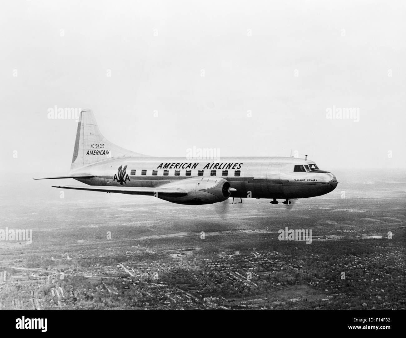 new style 03a52 7ec16 1940s 1950s AMERICAN AIRLINES CONVAIR FLAGSHIP PROPELLER AIRCRAFT IN FLIGHT  - Stock Image