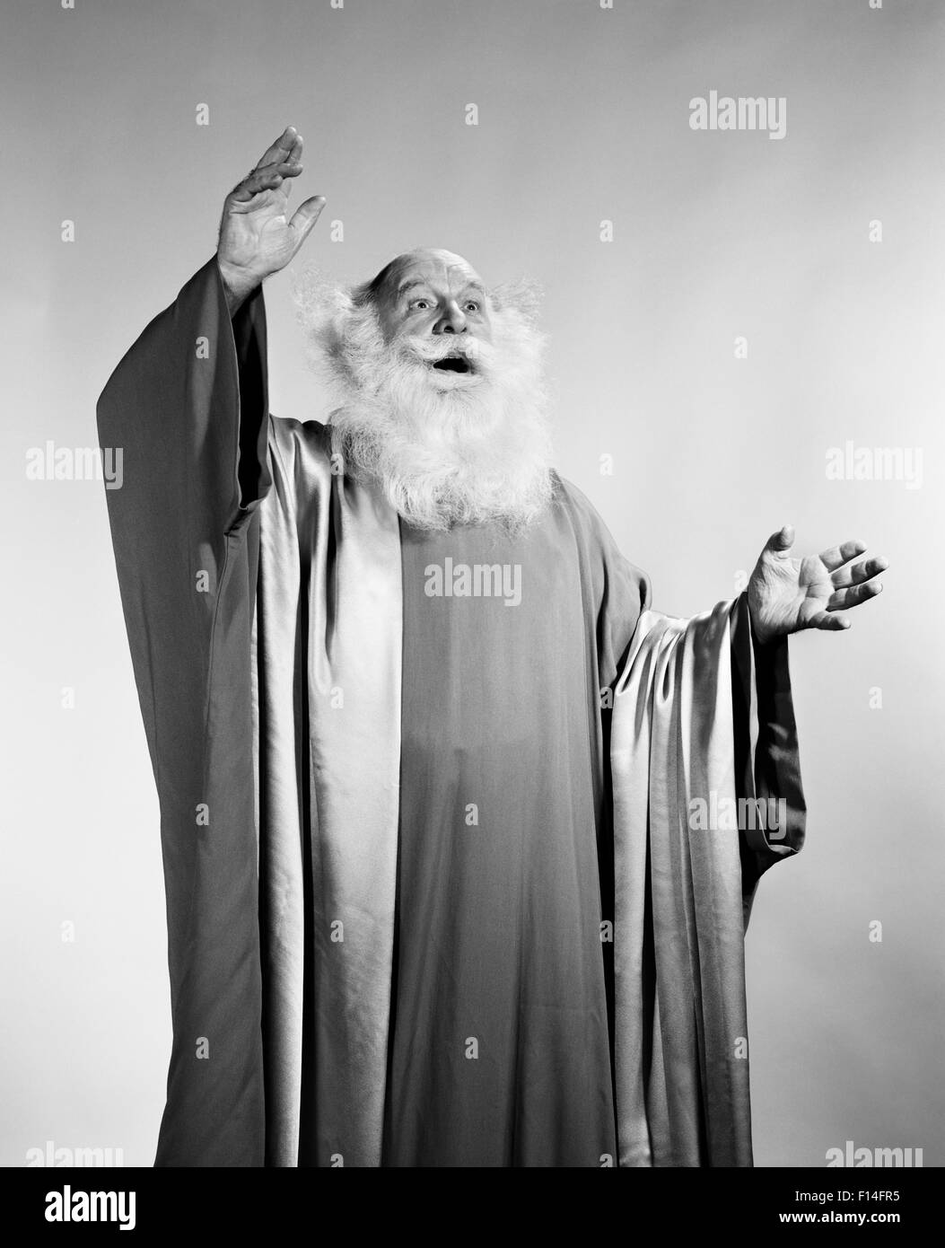 Long White Robes High Resolution Stock Photography And Images Alamy