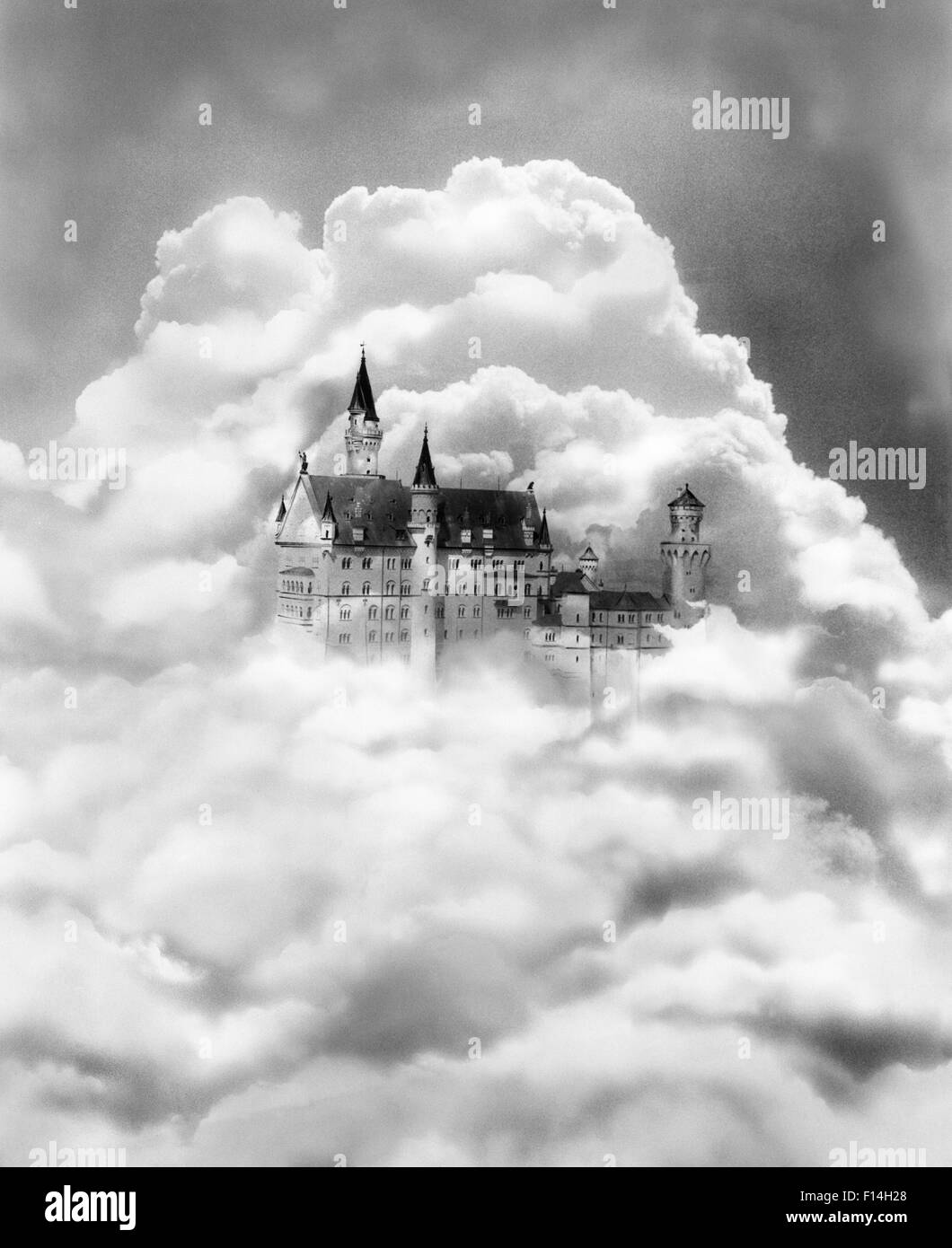 1930s FAIRY TALE CASTLE IN THE CLOUDS - Stock Image