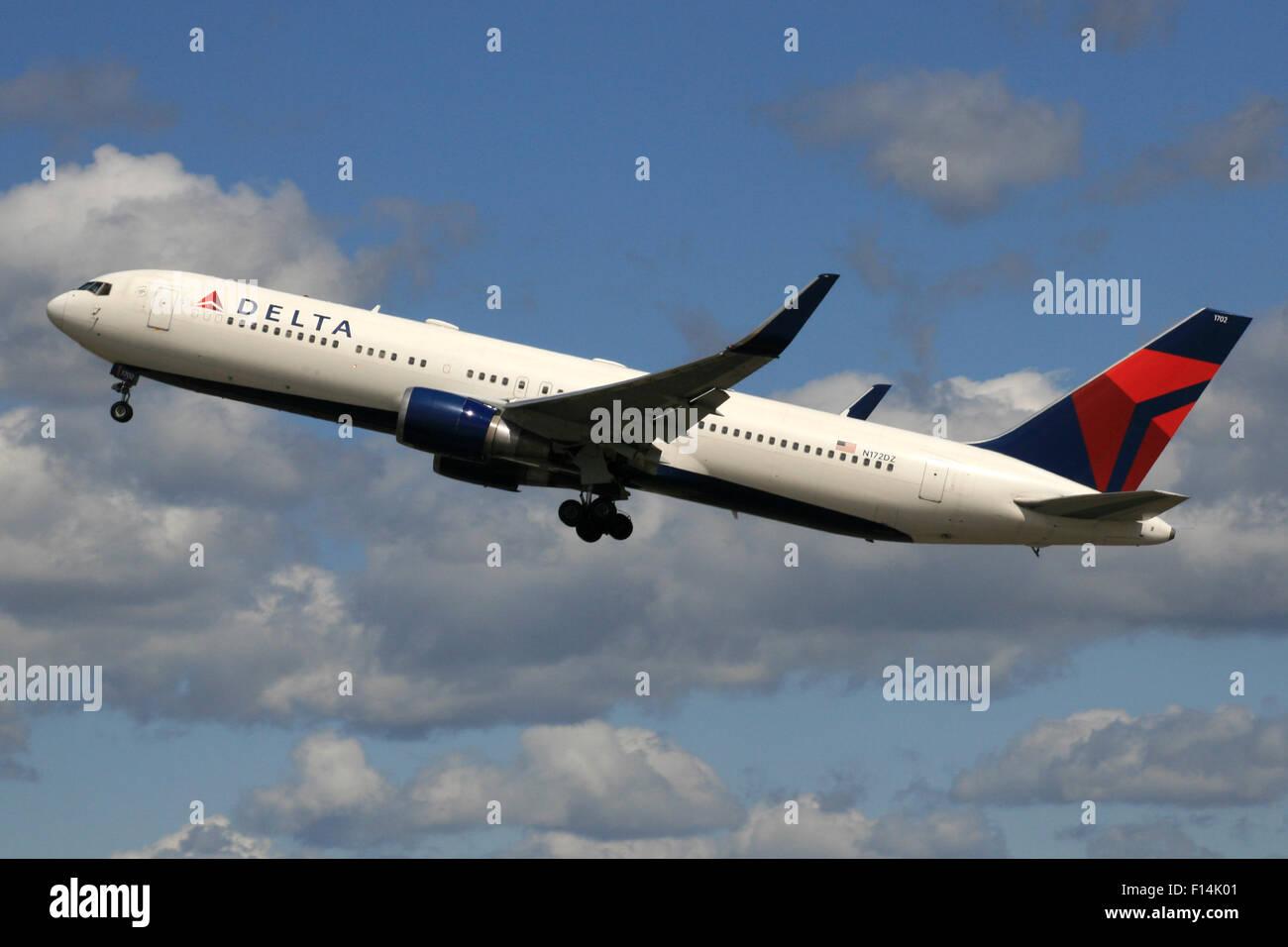 DELTA 767 3200 WINGLETS 767W - Stock Image
