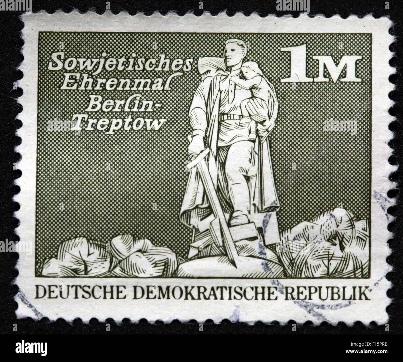 Deutsche Demokratische Republik DDR Sowjetisches Ehrenmal Berlin-Treptow 1M Stamp - Stock Image