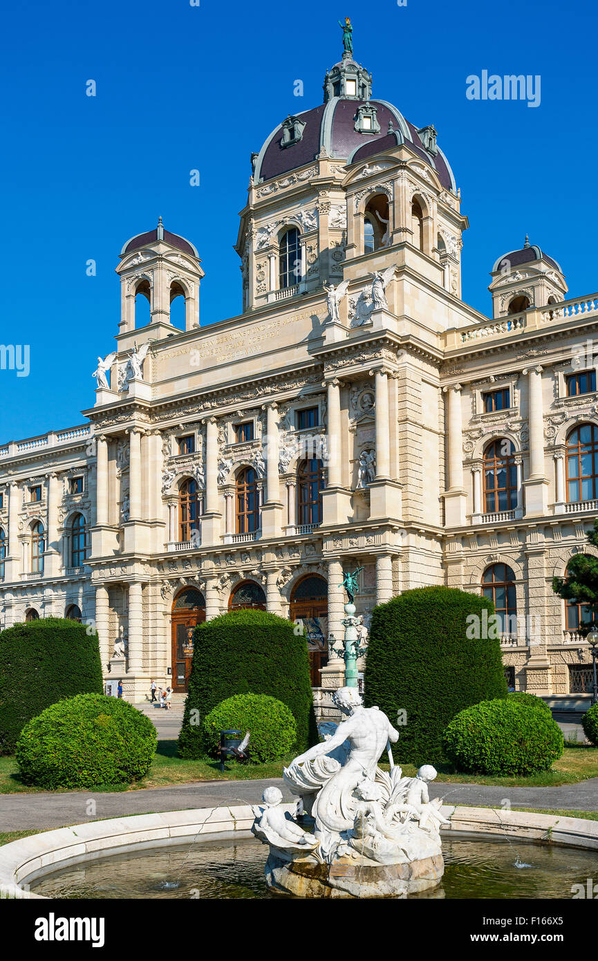 Austria, Vienna, view of Natural History Museum, Garden - Stock Image