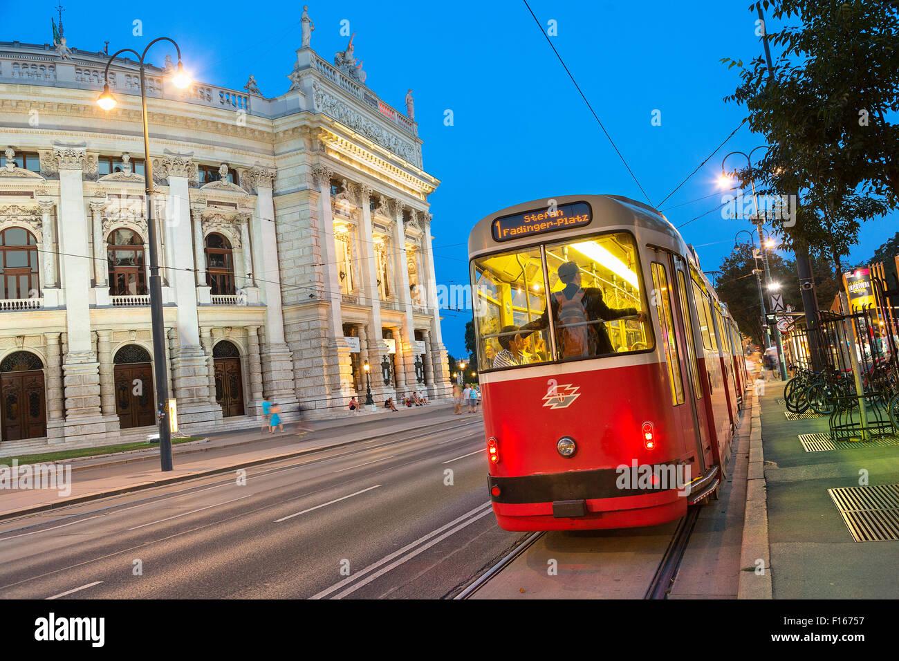 Austria, Vienna, Burgtheater at dusk - Stock Image