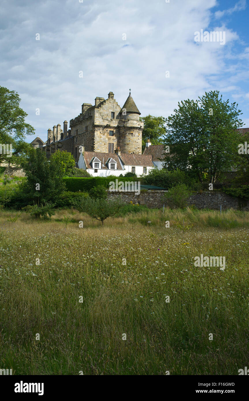 dh Falkland Palace FALKLAND FIFE Falkland Palace buildings scotland building history garden Stock Photo
