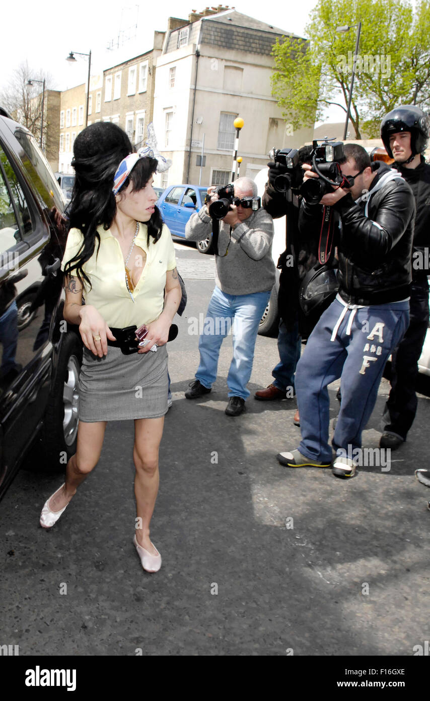 London, UK, 25/04/2008: Amy Winehouse seen leaving her home in Camden amid rumours that the 'Back to Black' - Stock Image