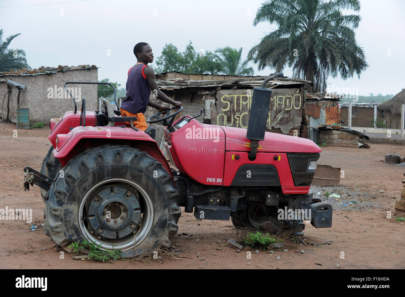 ANGOLA Malanje, 'election tractor' in many villages new tractors were given to chiefs by the ruling party - Stock Image