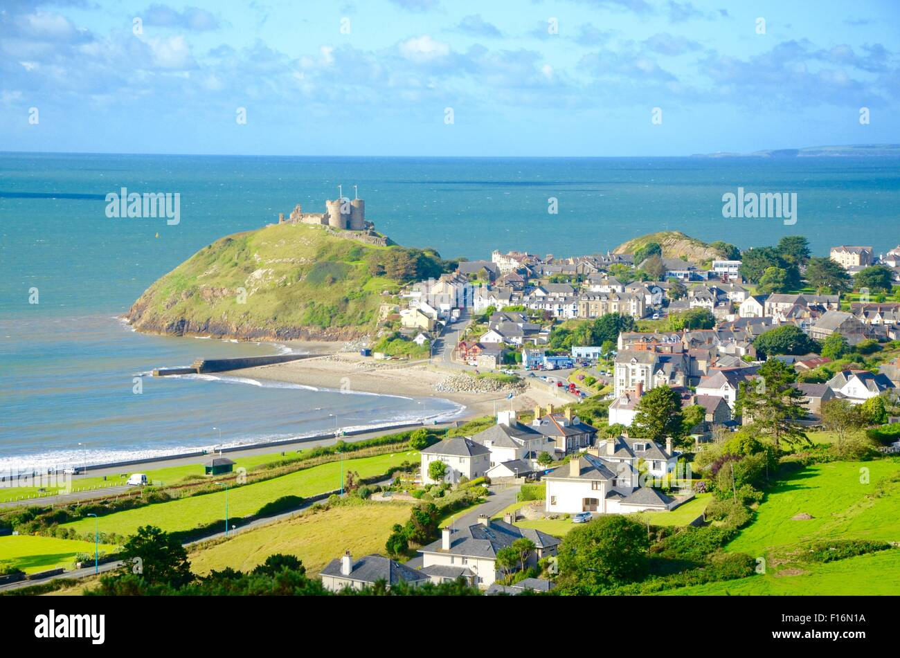 Criccieth, Pearl of Wales on the Shores of Snowdonia. (Wales, UK) - Stock Image