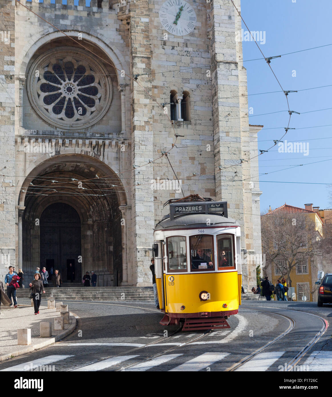 Trolley car descends Largo da Se in front of Catedral da Se in the Alfama district of Lisbon Portugal Stock Photo