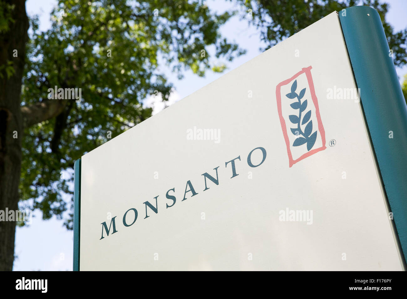 A logo sign outside of the headquarters of the Monsanto Company, in St. Louis, Missouri on August 16, 2015. - Stock Image