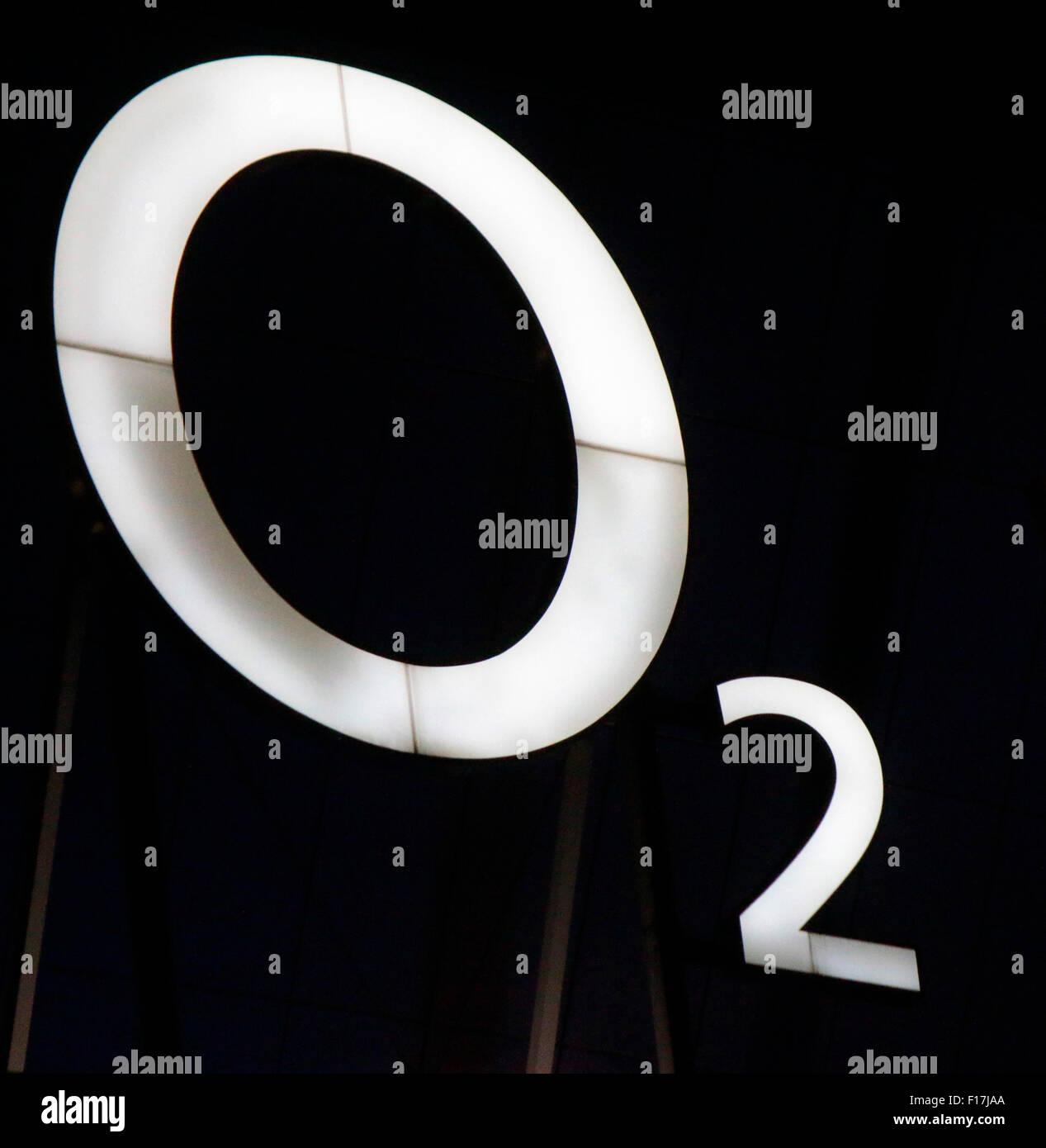 Markennamen: 'O2', Berlin. - Stock Image