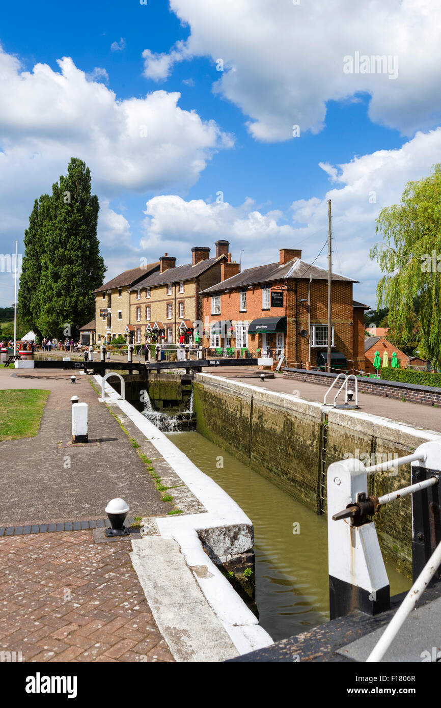 Lock on the Grand Union Canal looking towards the Canal Museum, Stoke Bruerne, Northamptonshire, England, UK - Stock Image