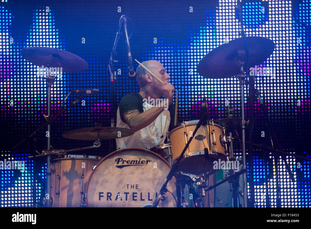 Portsmouth, UK. 29th August 2015. Victorious Festival - Saturday. Mince Fratelli, vocalist and drummer for the Fratellis, Stock Photo