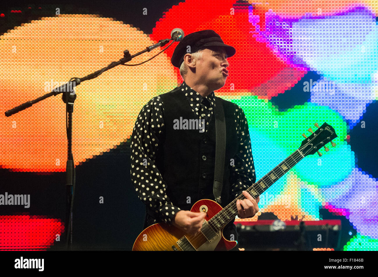 Portsmouth, UK. 29th August 2015. Victorious Festival - Saturday. Primal Scream during their set on the Common Stage Stock Photo