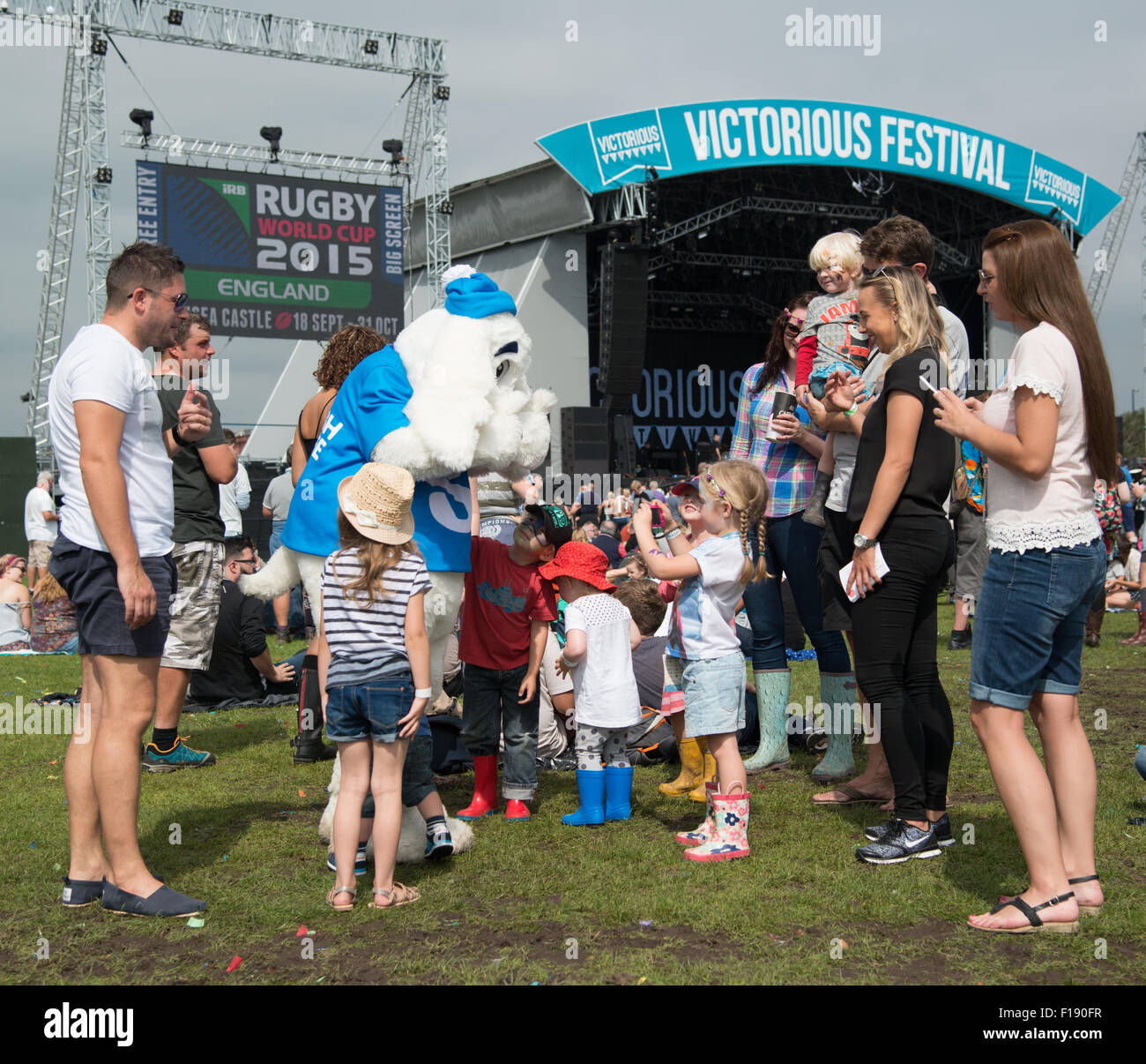 Portsmouth, UK. 29th August 2015. Victorious Festival - Saturday. There are plenty of kids present, and being entertained, Stock Photo