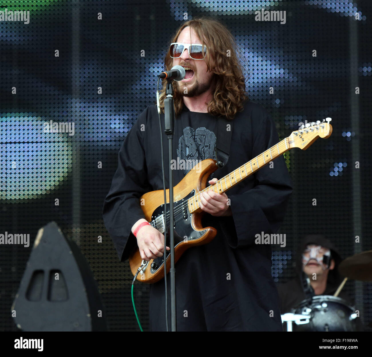 Portsmouth, UK. Sunday 30th August 2015. Victorious Festival - Sunday  Dave McCabe performing on the Common Stage Stock Photo