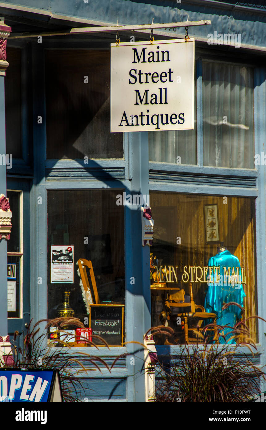 Main Street Mall Antiques  store in McGregor, Iowa - Stock Image