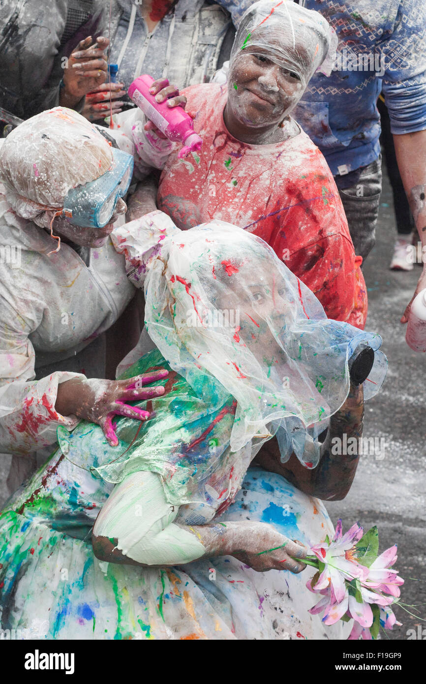 London, England. 30 August 2015. The Notting Hill Carnival, Europe's largest street festival, starts with the - Stock Image