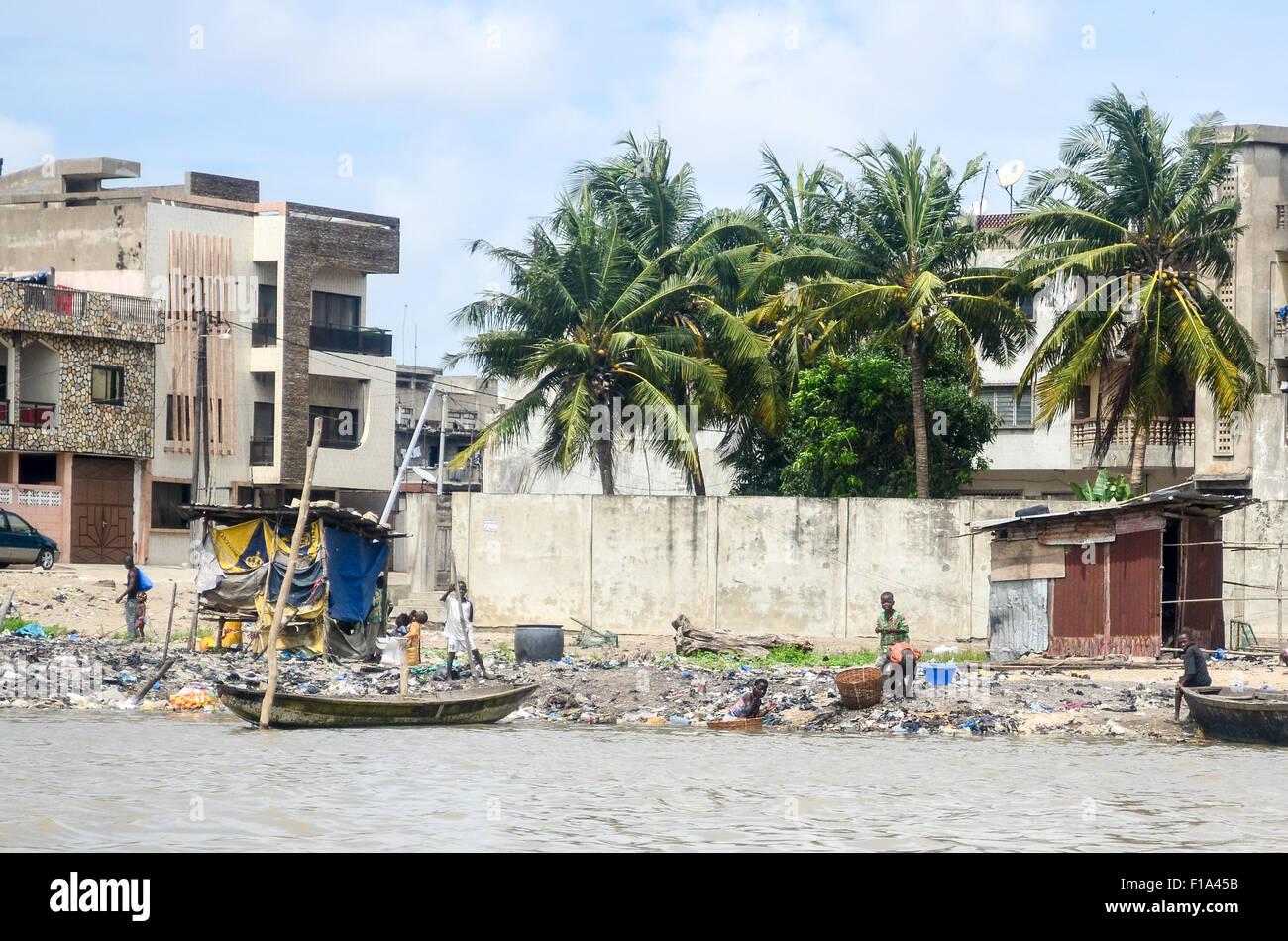 Polluted Ouémé river in Cotonou, Benin - Stock Image