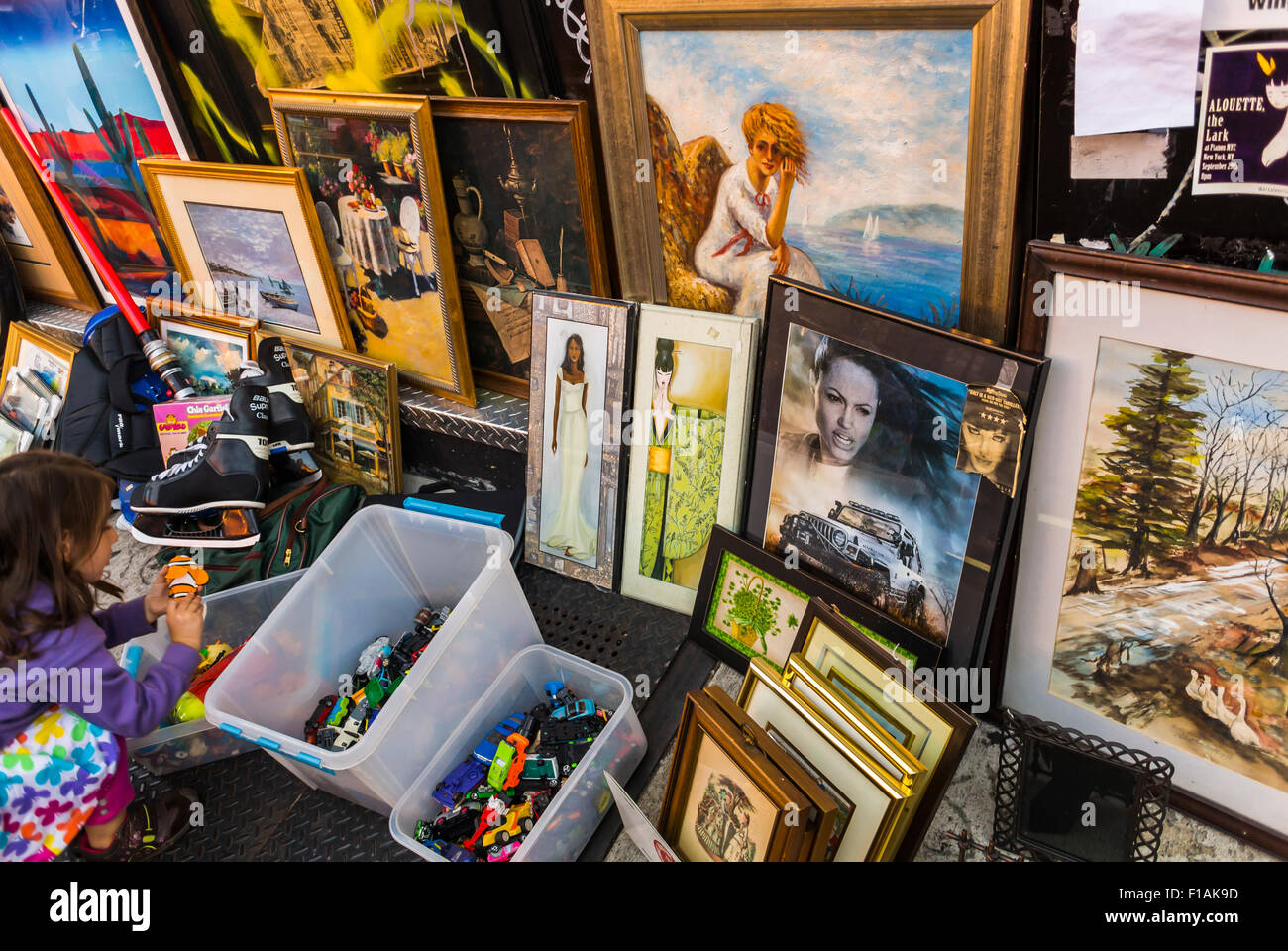 New York City, USA, Old Picture Frames on Display in Vintage Flea ...