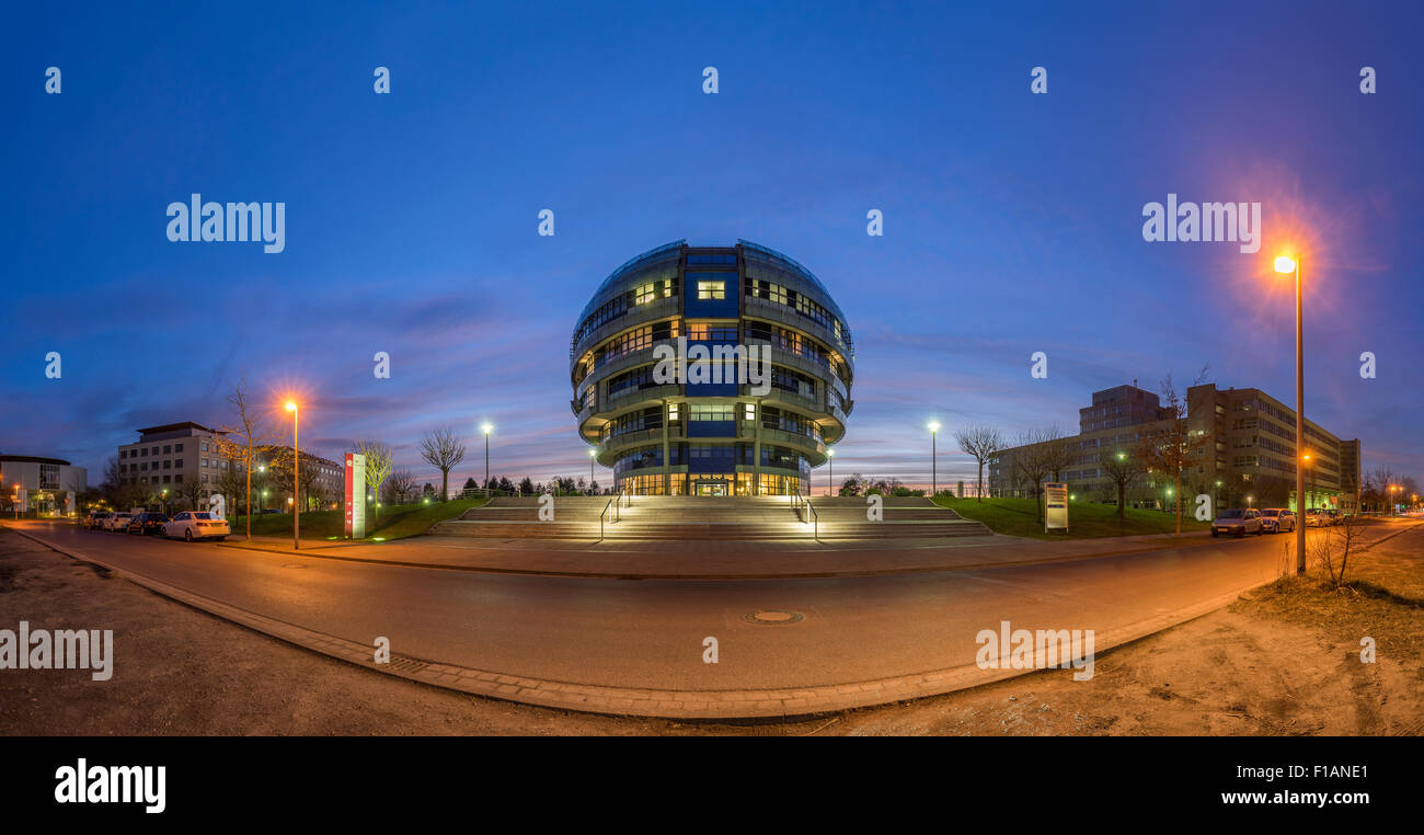 Germany, Hannover, view to International Neuroscience Institute at evening twilight - Stock Image