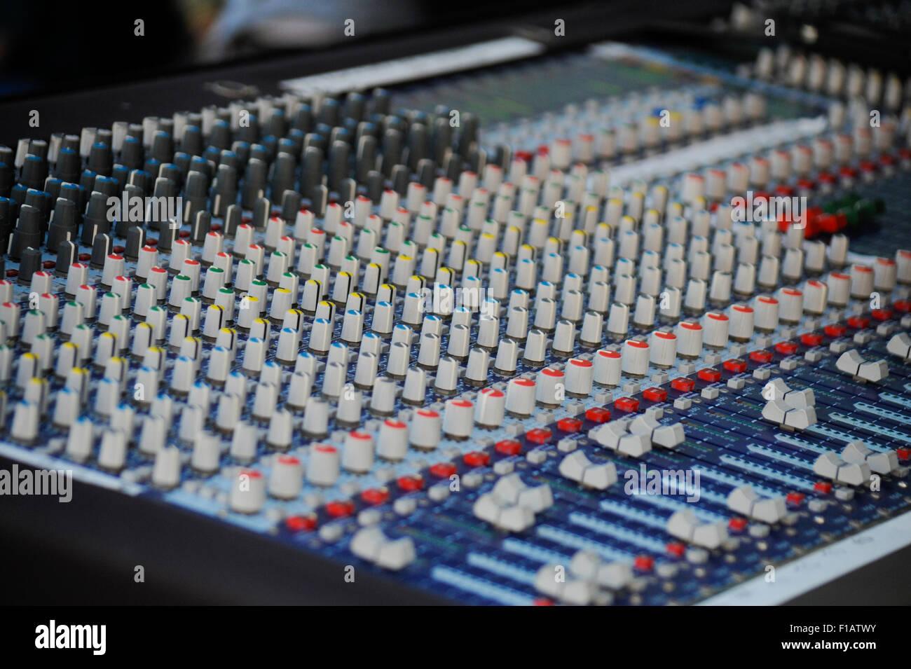 Sound Board Soundboard Control Stock Photos & Sound Board