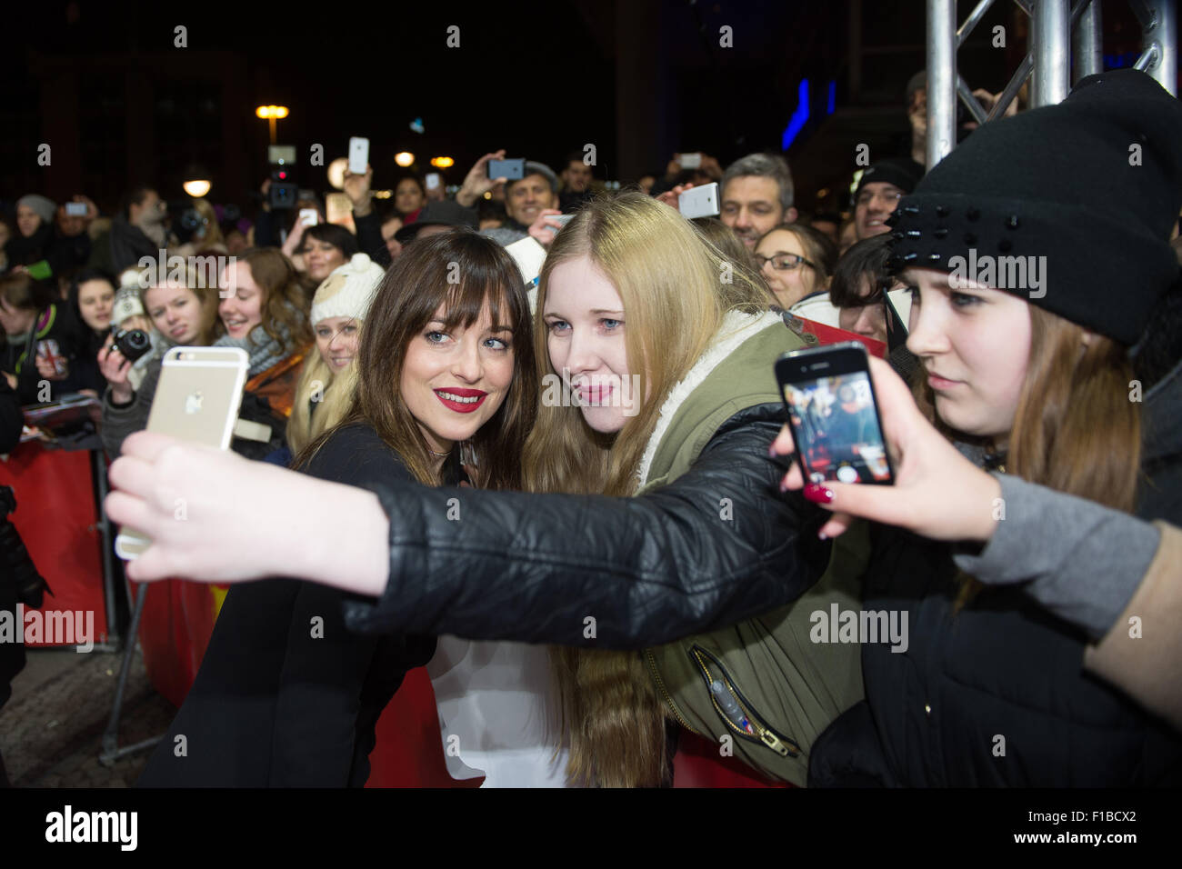Actress Dakota Johnson Fifty Shades Of Grey Can Be Photographed
