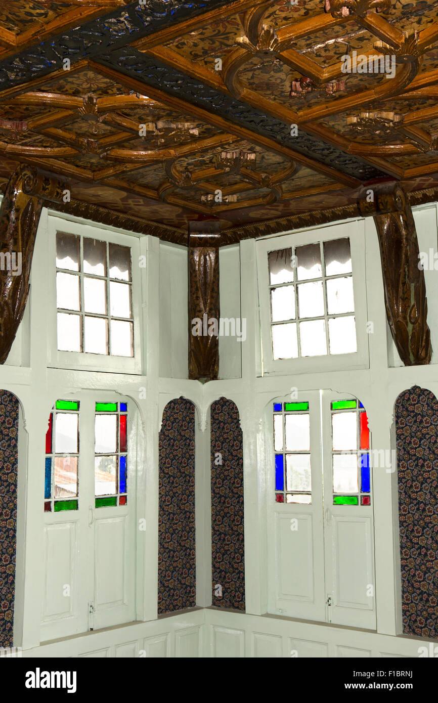 India jammu kashmir srinagar khwaja manzil nishati house 1930s heritage home interior decorated katambandh ceiling