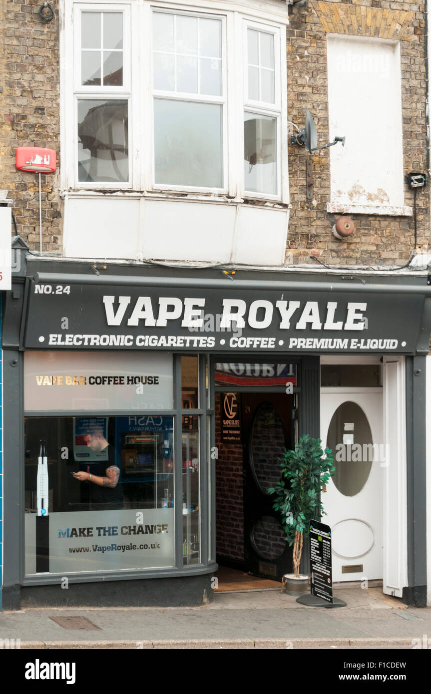 Vape Royale in Broadstairs High Street. - Stock Image