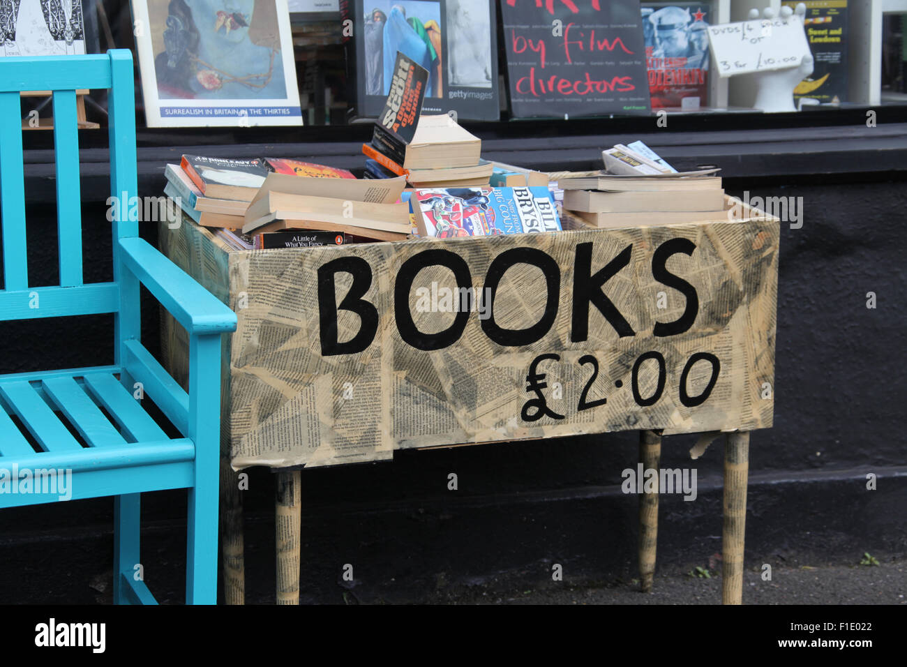 Second-hand books for sale outside a shop on Abbeydale Road in Sheffield - Stock Image