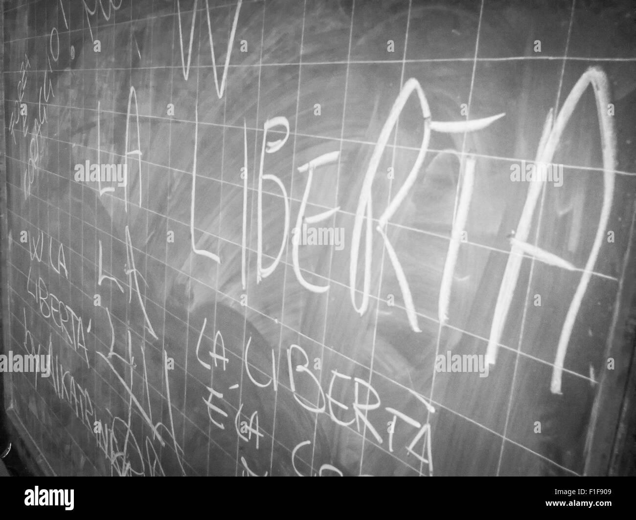 blackboard in old prison: Long life freedom - Viva la Libertà - Stock Image