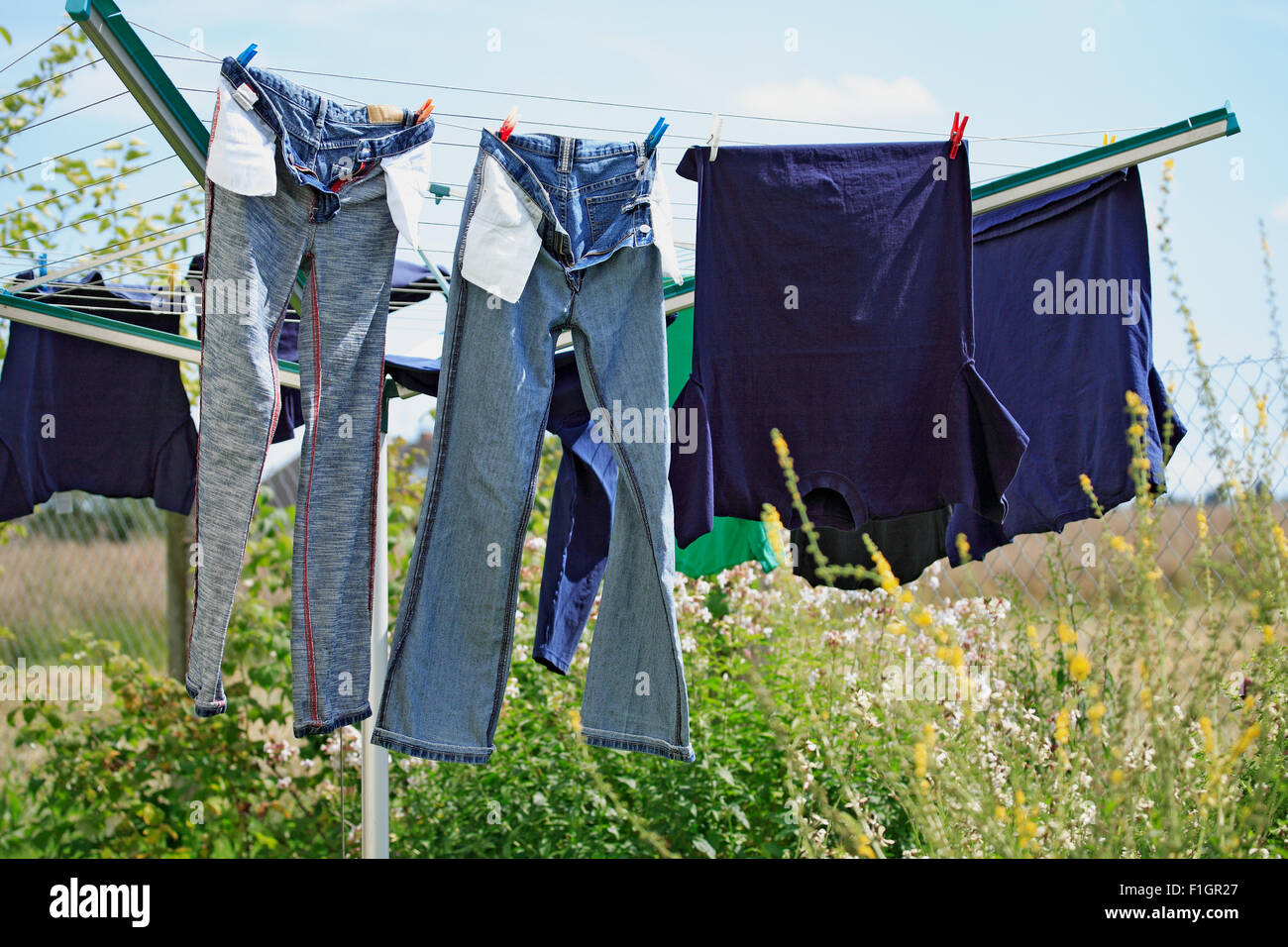 Laundry stand in the garden - Stock Image