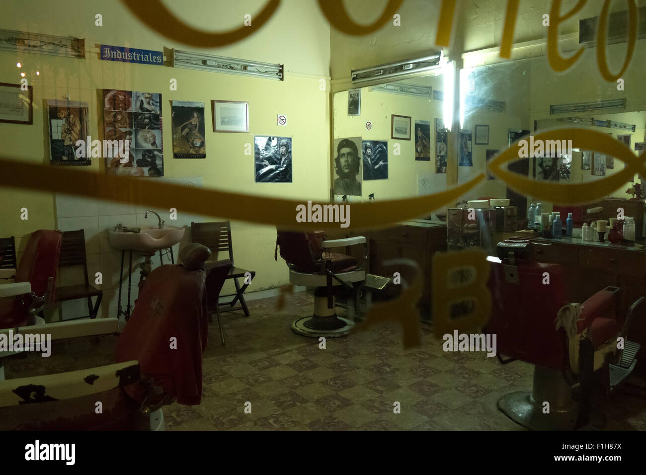 Barber shop, barber's, men's old beauty parlor in Havana, Cuba - Stock Image