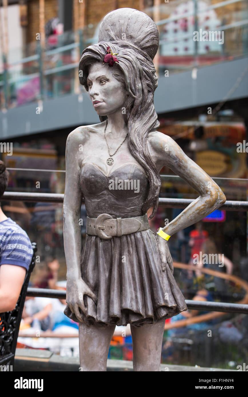 London , Camden Town , statue sculpture bronze memorial Grammy award winning local singer song writer Amy Winehouse Stock Photo