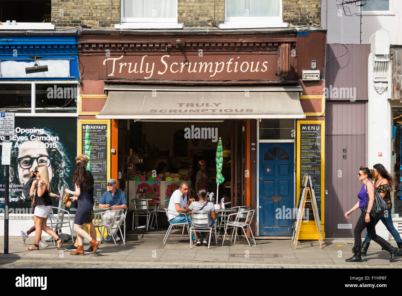 London , Chalk Farm , Camden Town , Truly Scrumptious pavement cafe snack bar cafe fast food English breakfast sandwiches Stock Photo
