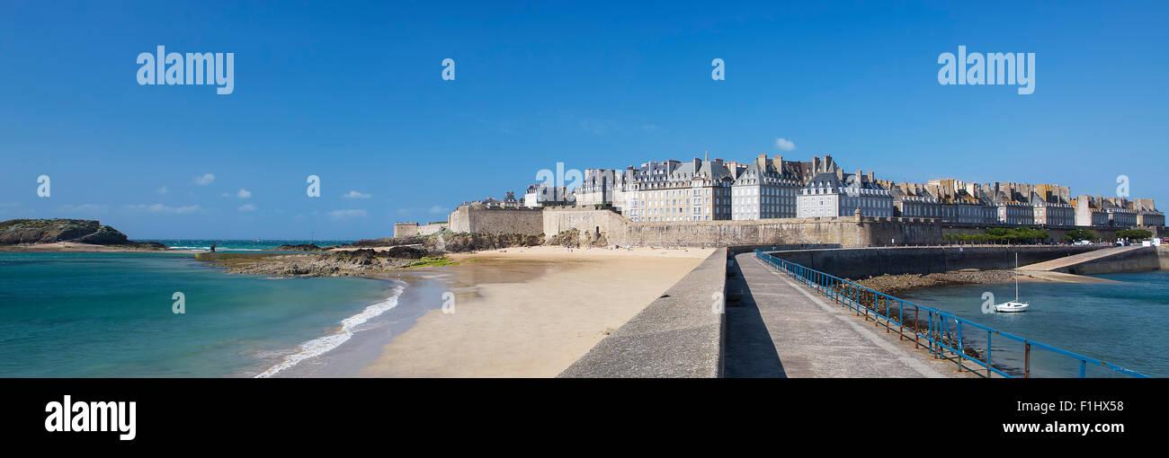 Panoramic view of Saint Malo, Bretagne, France - Stock Image