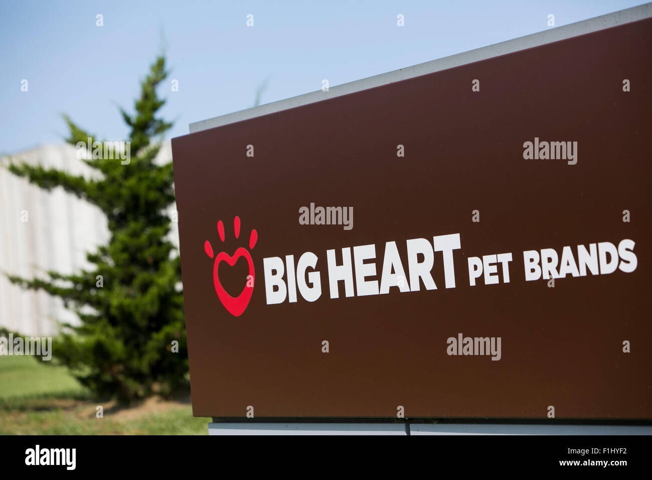 A logo sign outside of a facility occupied by Big Heart Pet Brands in Lawrence, Kansas on August 23, 2015. - Stock Image