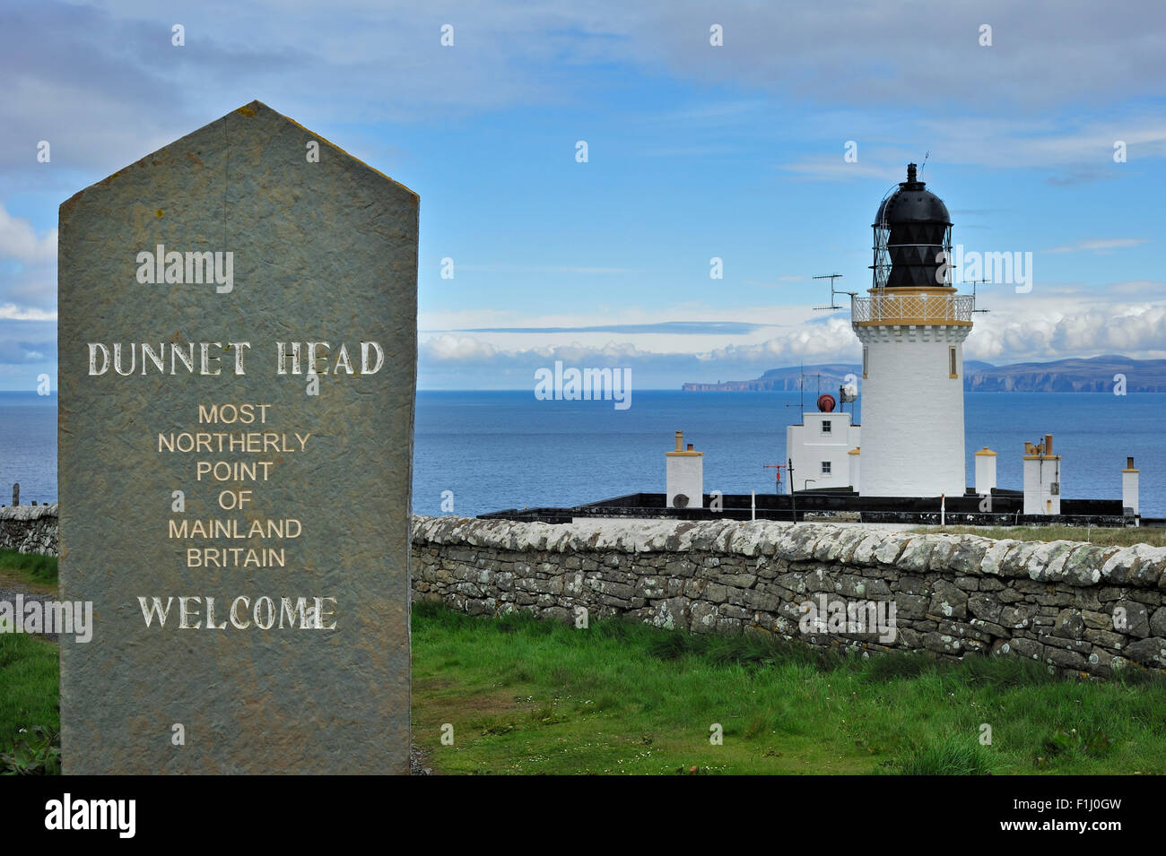 Dunnet Head Lighthouse, the most northerly point of mainland Britain, Caithness, Highlands, Scotland, UK - Stock Image