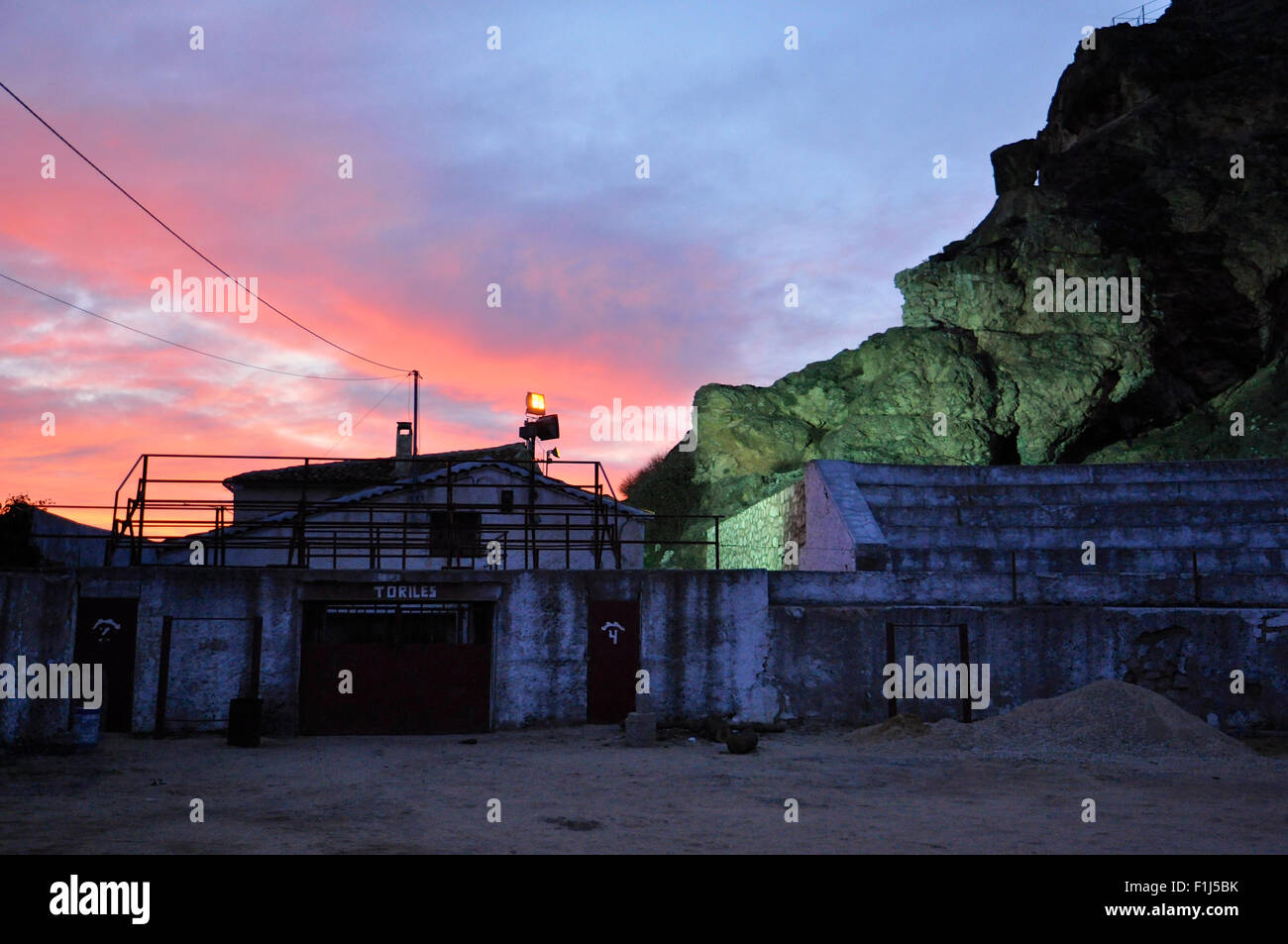 Sunset at Huélamo bullring (Huélamo, Serranía de Cuenca, Cuenca) - Stock Image