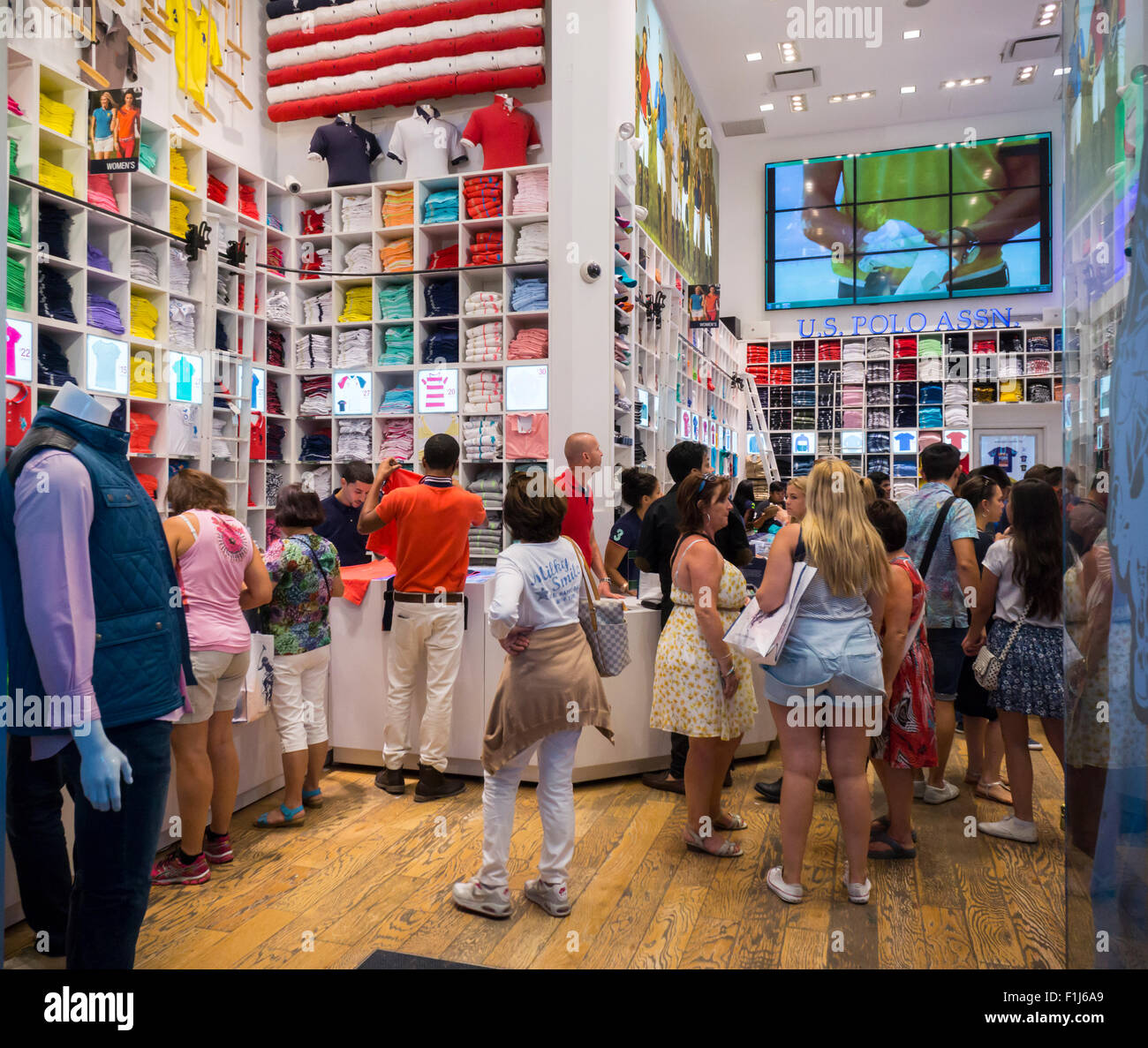 Shoppers in the U.S. Polo Assn. flagship store in Times Square in New York  on 219f5d233a