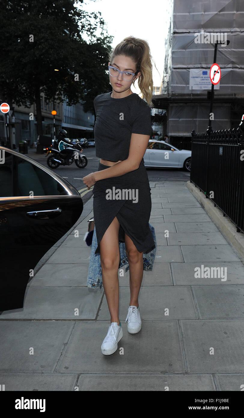 3cda4b11 Kendall Jenner and fellow supermodel Gigi Hadid arrive back at their hotel  in off-duty model looks Featuring: Gigi Hadid Where: London, United Kingdom  When: ...