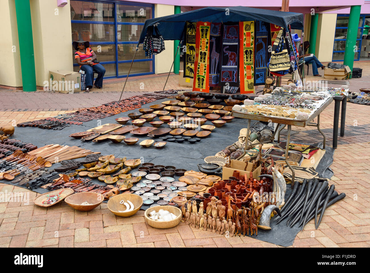 Craft stall, Post Street Mall, Independence Avenue, Windhoek (Windhuk), Khomas Region, Republic of Namibia - Stock Image