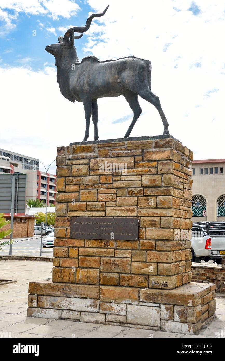 Bronze statue of a kudu, Independence Avenue, Windhoek (Windhuk), Khomas Region, Republic of Namibia - Stock Image