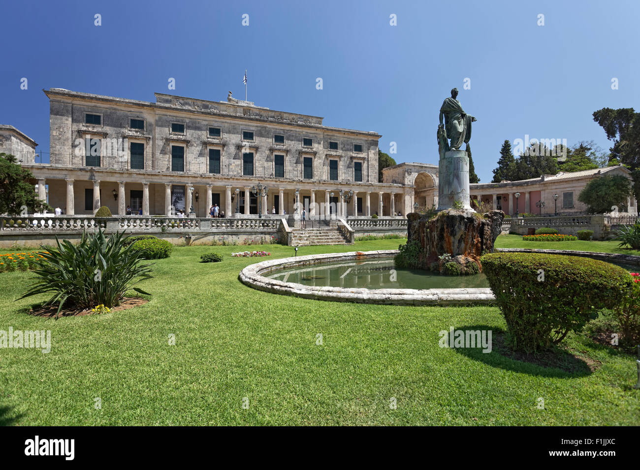 Sir Thomas Maitland monument in front of the Asian Art Museum, Corfu Town, Unesco World Heritage Site, Corfu or - Stock Image